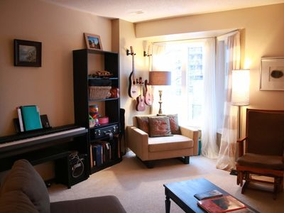 Photo for Spacious pied-à-terre downtown - walk to Parliament and Byward Market!