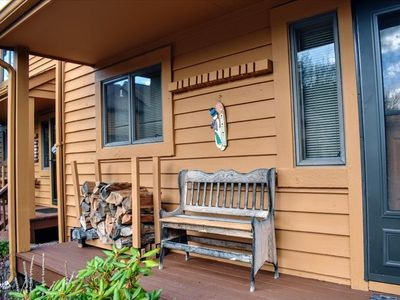Pet Friendly! Outdoor Pool/Complimentary Mirror Lake Access! (OPEN)
