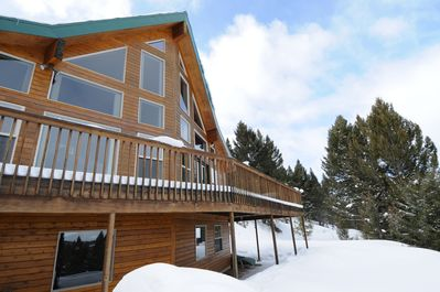 Winter at the Lakeview Lodge.