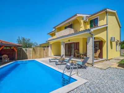 Photo for Villa Chiara is a house with swimming pool for a relaxing holiday in Istria.