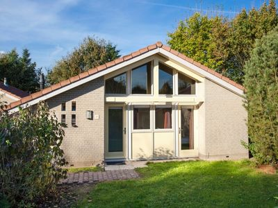 Photo for Bungalow in the holiday park Landal Stroombroek -