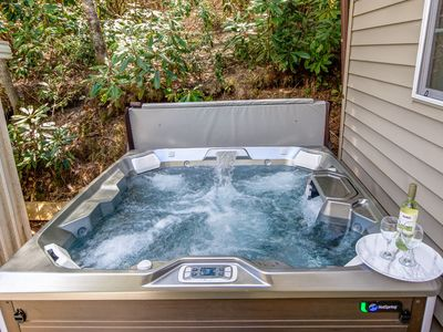Photo for Comfortable, Convenient, Hot Tub and Freshly Renovated!!