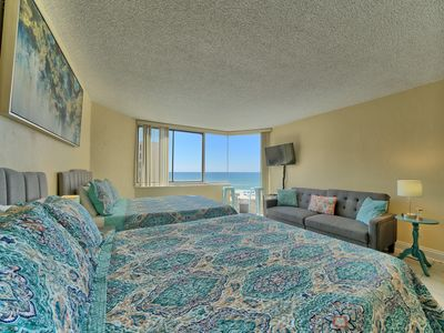 Photo for *BEACHFRONT/BEACHVIEW* 2 queen beds! Brand new furniture! Sleeps 5! Best rates!
