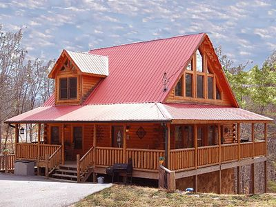 Photo for 60+ FIVE STAR reviews! **PET FRIENDLY**!5 Miles to top attractions!  New Theater