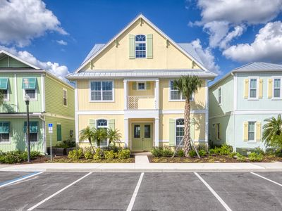 Photo for 7 Bed Cottage! Hotel Amenities, Daily Clean Included, near Disney, Private Pool