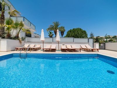 Photo for Il-Qortin ta' Ghajn Zejtuna Villa, Sleeps 12 with Pool, Air Con and WiFi