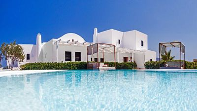 Photo for Deluxe Villa Rena Santorini 3br upto 7guests private pool