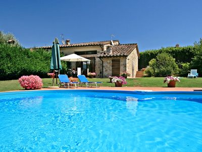 Photo for Charming cottage with private pool and pet-friendly near Siena