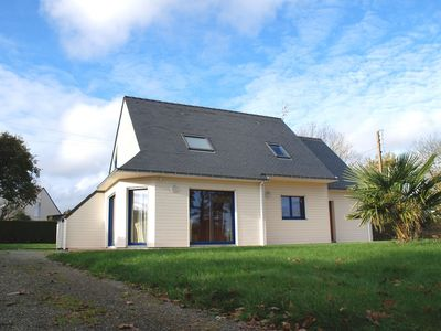 Photo for Quiet detached house on large plot, 6 km from the beach