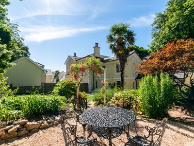 Photo for Clevehurst Cottage - Four Bedroom House, Sleeps 7