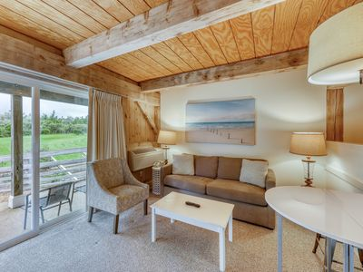 Photo for Charming suite with shared pool & tennis courts - 1/2 mile to the beach!