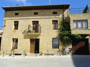 Ground floor apartment in mansion in the Rioja