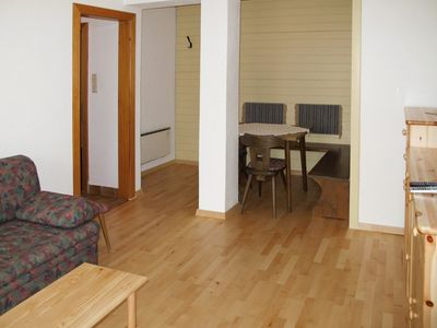 Photo for Cosy apartment for 4 guests with pool, TV, balcony and parking