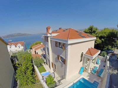 Photo for House in Okrug Donji with Internet, Pool, Air conditioning, Parking (491055)