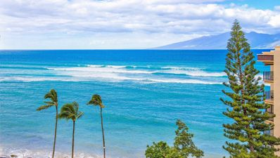 Photo for 'Beachy, Bright & Breezy Ocean View Studio/Oceanfront Resort