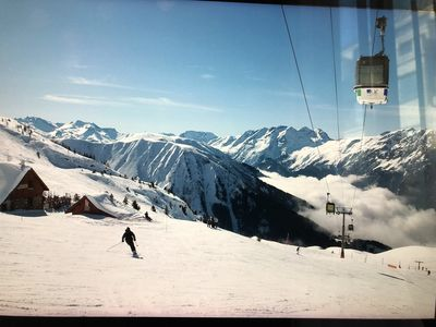 Photo for Very spacious T4 apartment of 84 M2 in Oz in the heart of the Alpe Huez area