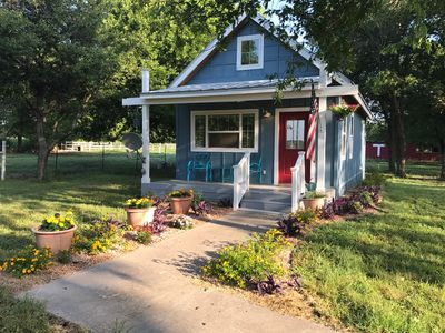 Photo for Little Blue House - Minutes to Magnolia, Baylor, & Antiquing