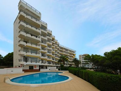 Photo for Beautiful apartment for 4 people with WIFI, pool, TV, balcony and parking