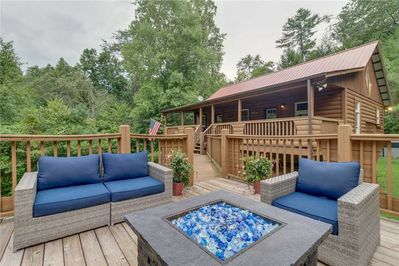 Tranquility - Deck with Fire Pit