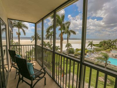 Photo for Large Beachfront Condo With 3 Lanai's, Gorgeous Views, And A Chef's Kitchen
