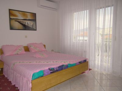 Photo for Apartments Matosevic is located 200 meters from the pebbly beach in Donji Okrug
