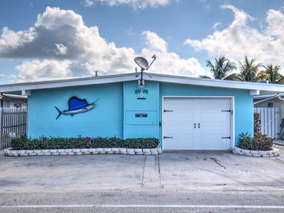 Photo for Single family pool home in heart of Key Colony Beach on open bay w/40' dock