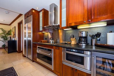 Fully equipped Kitchen designed by Chef Roy Yamaguci