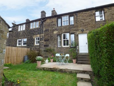 Photo for WEAVERS REST, romantic, with open fire in Oxenhope, Ref 958334