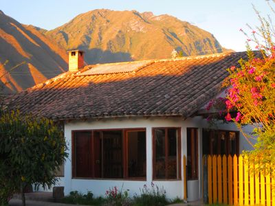 Photo for Lovely 3 Bed/2 Bath walking distance to Urubamba town, bus and train stations.