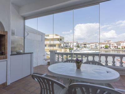 Photo for 4 bedroom Villa, sleeps 8 in Empuriabrava with Air Con and WiFi
