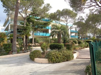 Photo for Large T3 for 4/6 people, residence with swimming pool 5 minutes from the beaches
