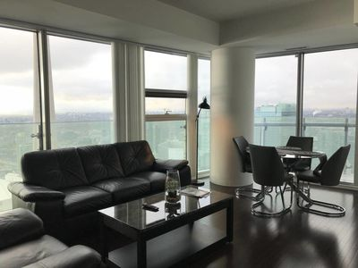 Photo for Stylish high rise unit near Rogers Centre