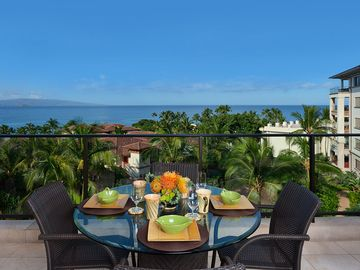 Incredible Outdoor Veranda Panoramic Ocean Views!