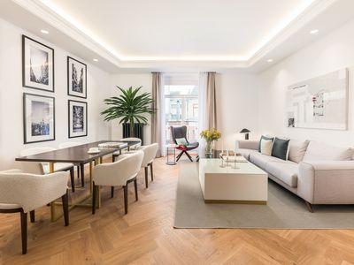 Photo for Spacious apartment in one of the most premium locations of central Madrid