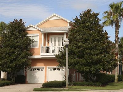 Photo for Luxury Villa, 5 Bedrooms: Minutes from Disney & in the Reunion Golf resort