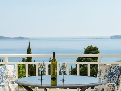 Photo for 2 bedroom apartment with sea views in Mlini, near Dubrovnik
