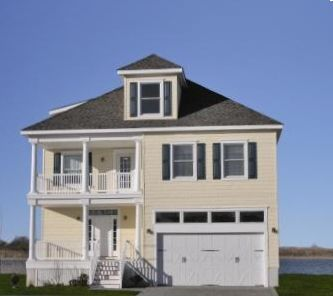Very LARGE House on the Water! 2 1/2 bath 3 Decks, large porch and back patio!!!