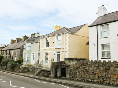 Photo for YR HEN FANC, family friendly, with a garden in Benllech, Ref 935224