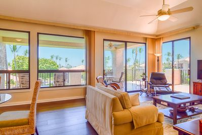 Living room towards lanai