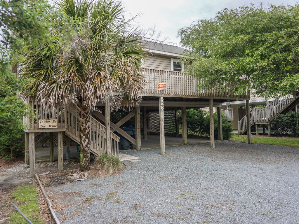 Quaint pet friendly cottage in topsail be vrbo - Pet friendly cottages with swimming pool ...