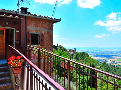 Photo for The red-painted house Cortona