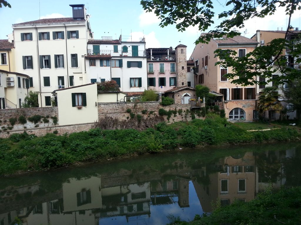 Property To Rent In Padova