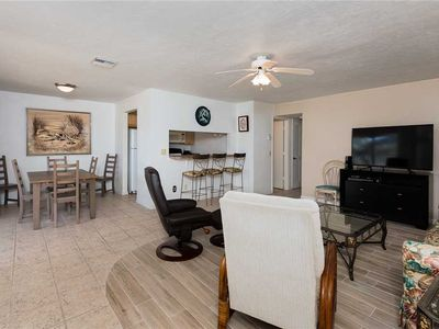 Photo for Unit B7: 2 BR / 2 BA partial gulf view in Sanibel, Sleeps 6