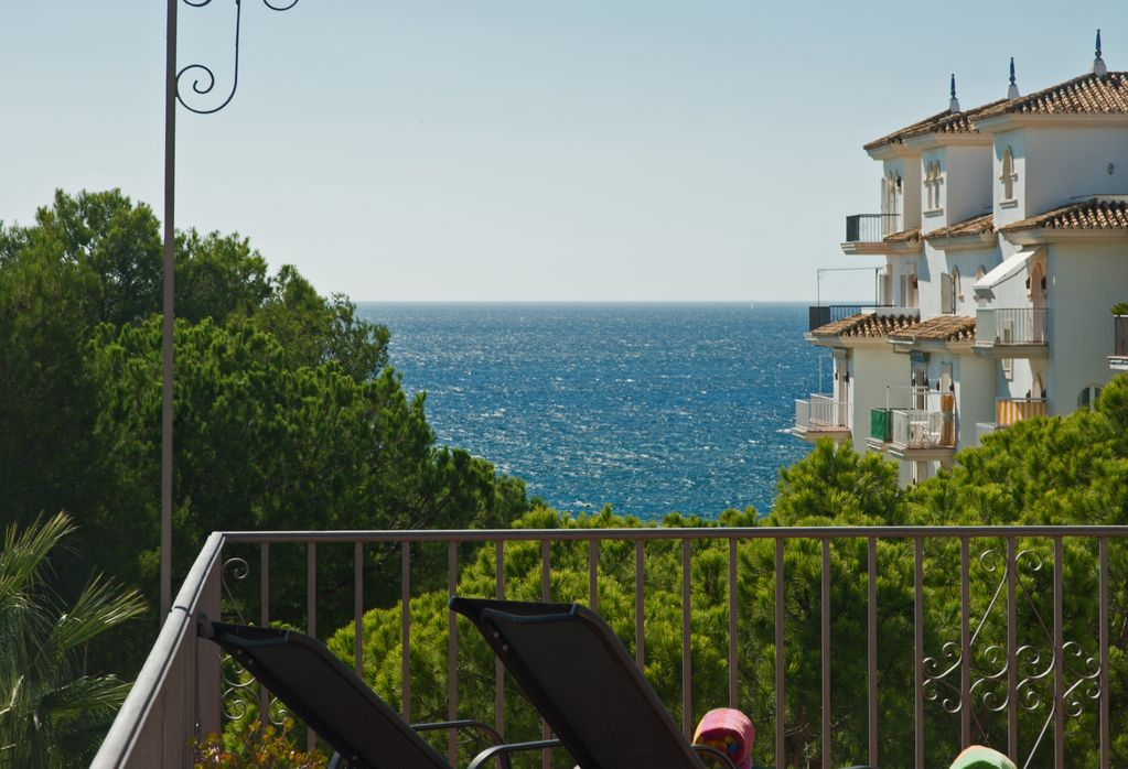 Beachfront Penthouse Sea Mountain Views 3 Balconies Puerto