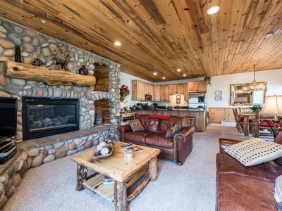 Photo for *FREE SKI RENTAL*Perfect Family Retreat w/ 3 King Beds, Fireplace, Shared Hot Tub - Walk to Shuttle!