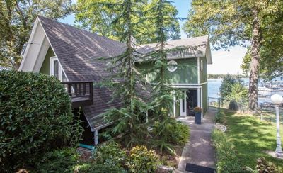 Photo for Beautiful and Cozy Grand Lake House on Monkey Island
