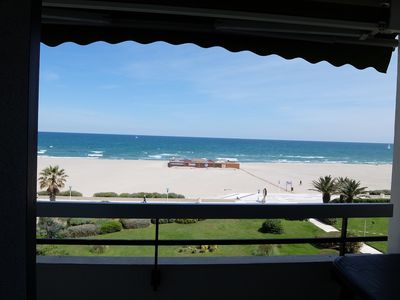 Photo for Studio cab 30m2 + terrace 8m2 facing the sea, private parking, air conditioning, WIFI and wifi