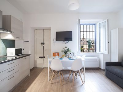 Photo for Casale apartment in Navigli with WiFi, integrated air conditioning & lift.