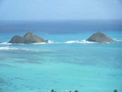 Photo for 10min stroll to Kailua Beach -Aircon/wireless/kitchen/early ckin/late ckout/HBO
