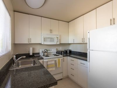 Photo for Palo Alto Executive 2BR W/ Gym & Pool - Kasa